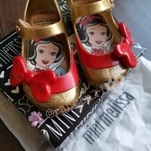 Mini Melissa x Snow White